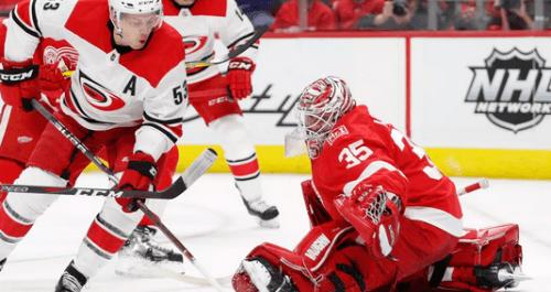 Детройт Ред Уингз – Каролина Харрикейнз: прогноз на матч НХЛ за 15 января
